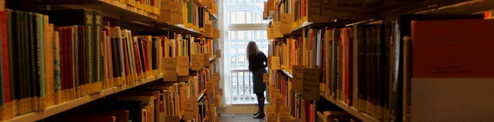 uio bibliotek åpningstider